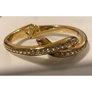 Other - Beautiful Gold Bracelet with Diamonds 💎😍💎